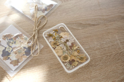 DIY – IPHONE COVER WITH FLOWERS